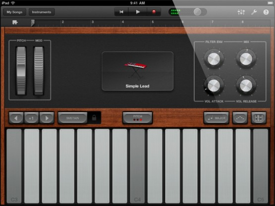 iPad 2 Garageband ~ Synthesizer