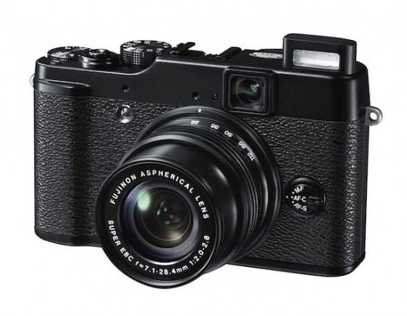 Fujifilm FinePix X10 side with lens extended