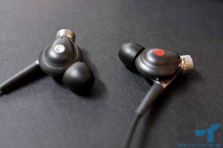 Sony MDR-NC300D earbuds pair
