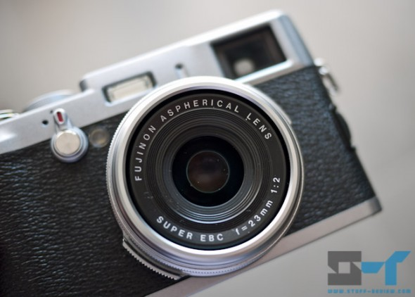 Fujifilm X100 sticky aperture blade issue, close-up of lens at F16 shutter button pressed