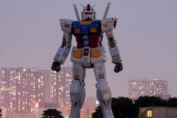 Giant RX-87 Gundam statue in Odaiba Tokyo