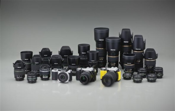 Pentax K-01 camera all three colors with DA lenses