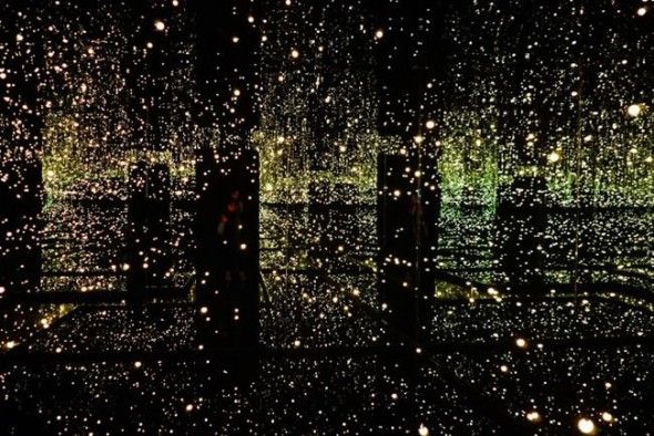 Yayoi Kusama 'Infinity Mirror' room multi-color lights