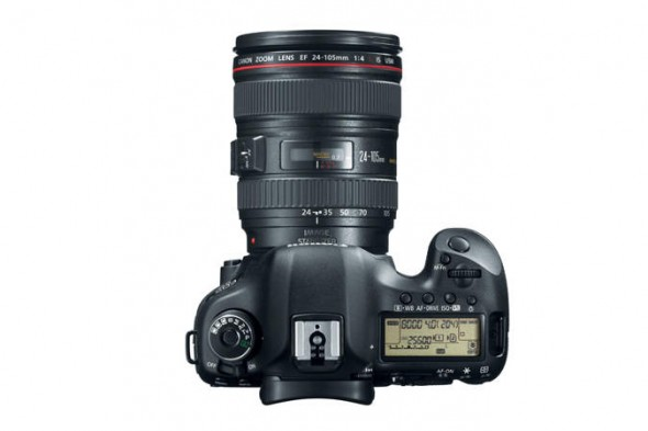 Canon EOS 5D Mark III top with lens
