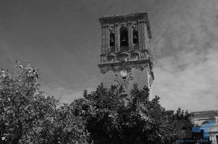 Fujifilm X100 sample shot: Arcos de la Frontera, Spain @ 1/800sec f/10, ISO 200