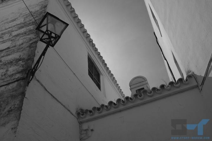 Fujifilm X100 sample shot: Arcos de la Frontera, Spain @ 1/420sec f/7.1, ISO 200