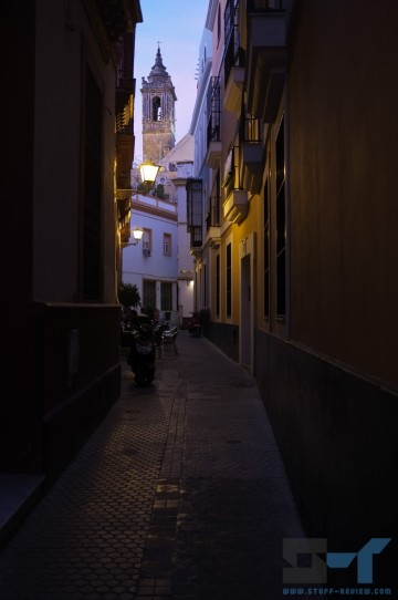 Fujifilm X100 sample shot: Seville, Spain @ 1/40sec f/2.0, ISO 200
