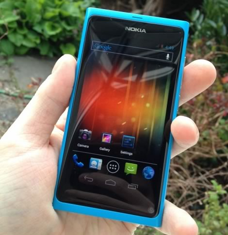 Nokia N9 running Android Ice Cream Sandwich