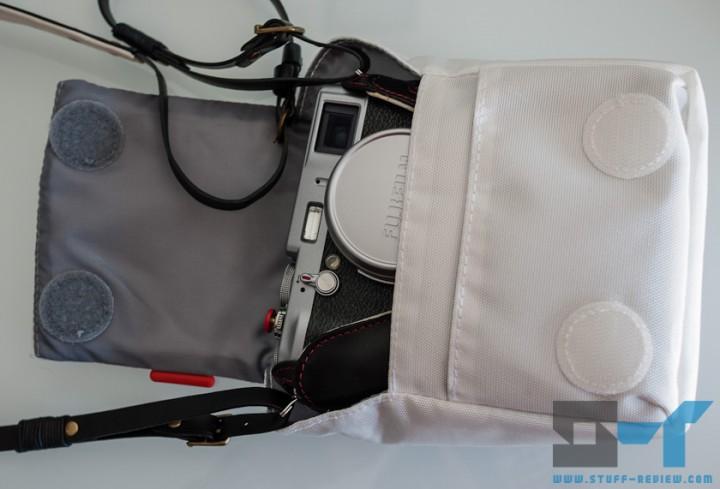 Manfrotto Nano VII camera pouch with Fujifilm X100 inside