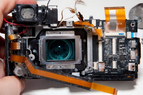 Fujifilm X100 teardown inside