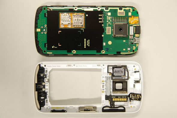 Nokia 808 PureView 41-megapixel camera module inside view FCC