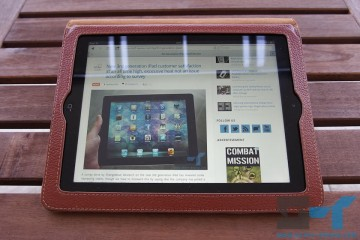 Yoobao leather case for the new iPad (2012) lying down - viewing angle